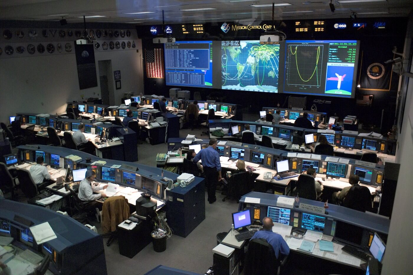 nasa-mission-control-center-monitoring